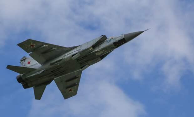 Российские истребители МиГ-31К присоединились к учениям ВМФ РФ в Средиземном море