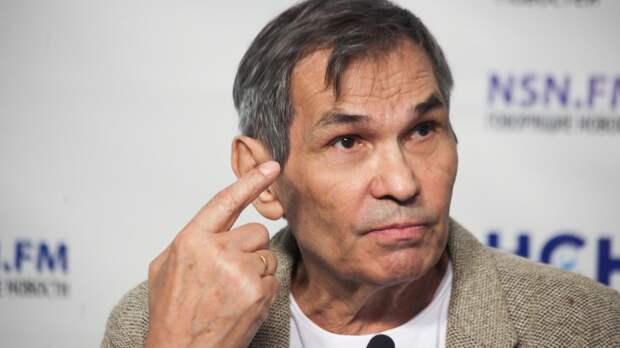 Бари Алибасов перенес операцию на позвоночнике после серьезного падения