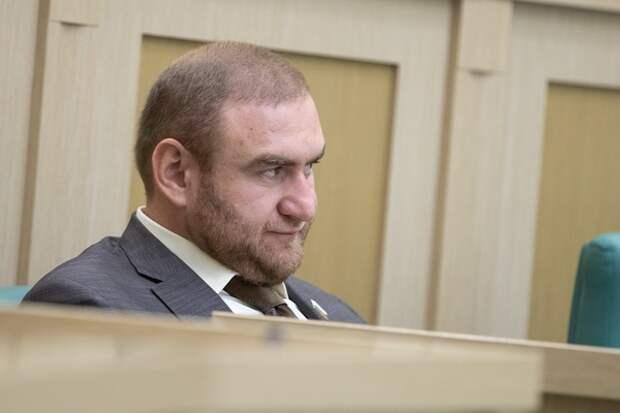 Задержан отец сенатора Арашукова
