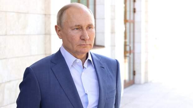 Песков объяснил регулярное появление Путина на российских телеканалах