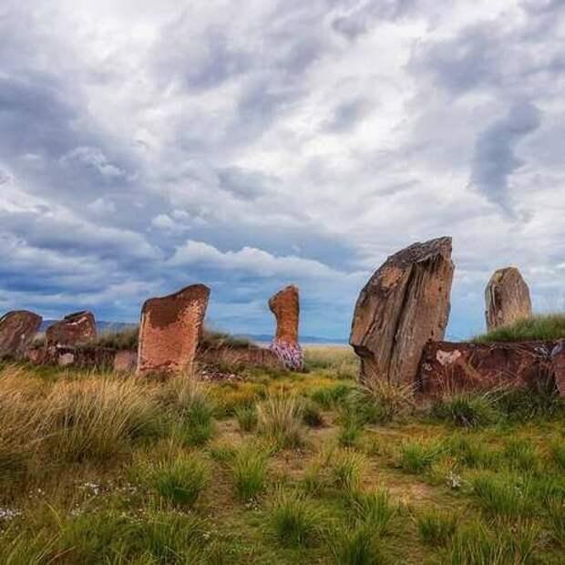 Пять самых удивительных археологических памятников в России