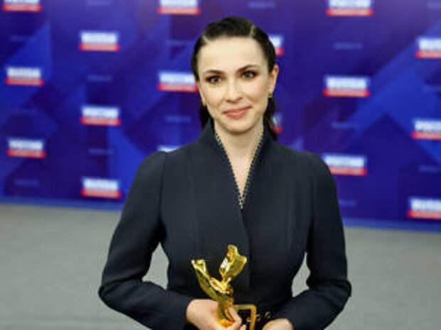 """Фильм Наили Аскер-заде """"Опасный вирус-2"""" получил премию """"Золотая лента"""""""