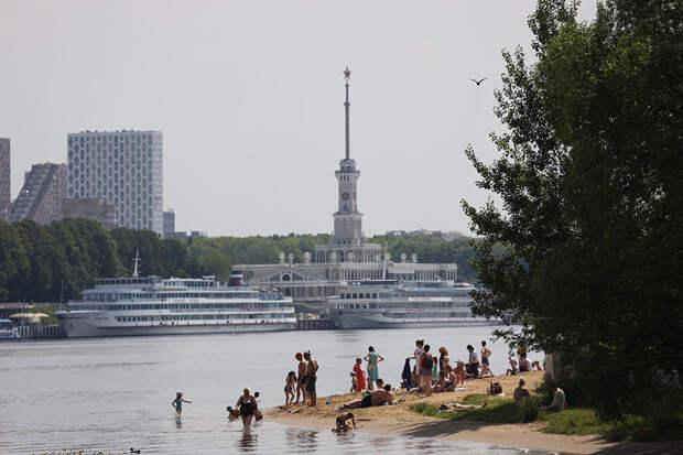 Городские пляжи Москвы стали доступной заменой закрытым курортам