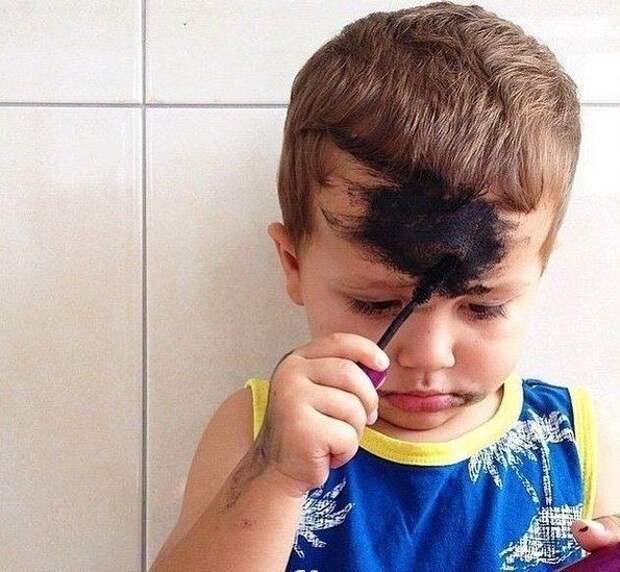 Это надо видеть! 10 фото детских шалостей, знакомых каждому родителю. Как вам малыш под пятым номером?
