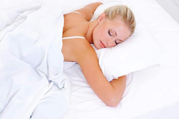 Почему врачи не советуют спать на животе