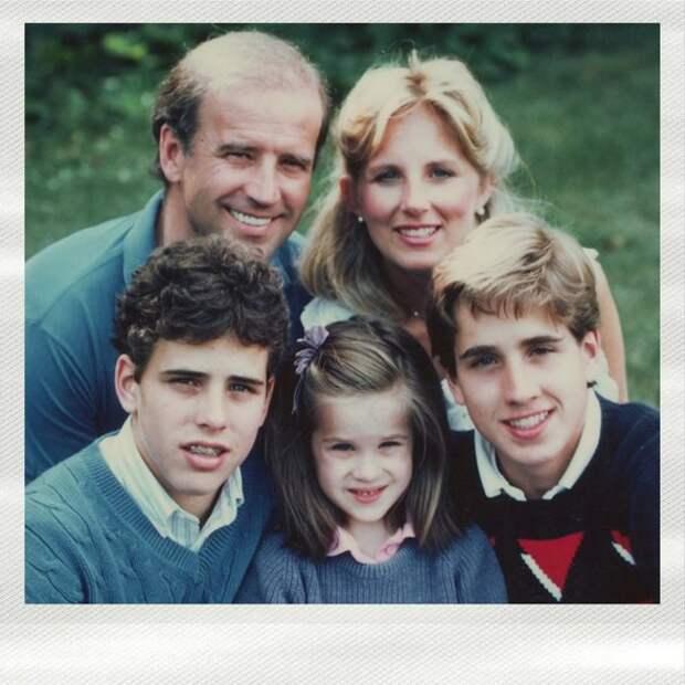 Трое детей, пятеро внуков и одна трагедия — история семьи Джо Байдена, нового президента США