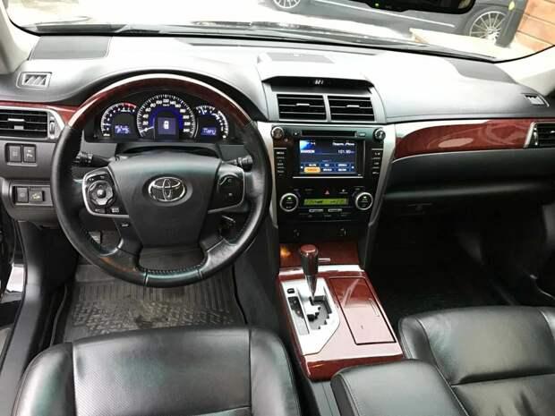 Мой друг купил Тойота Камри, сразу захотел себе такой же. Рассказываю почему он лучший японский бизнес-класс