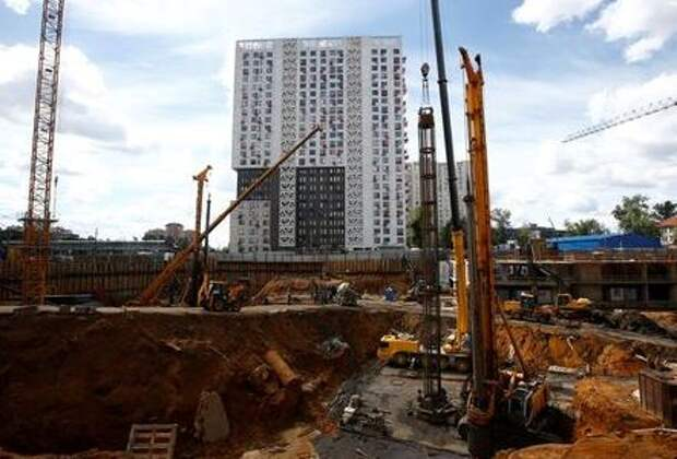 A general view shows the construction site of a residential compound that is being built by the real estate company Krost, in Moscow, Russia, June 20, 2017. REUTERS/Sergei Karpukhin