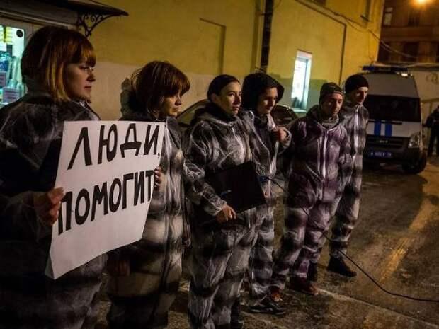 В туалете томской колонии умер бывший военнослужащий: правозащитники говорят об угрозах изнасилованием