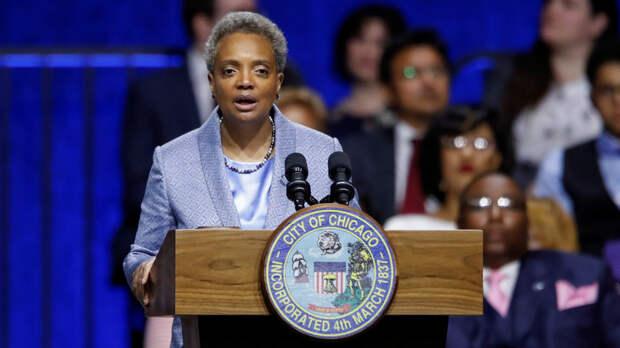 Le Figaro: «расизм под видом борьбы с расизмом» — темнокожая французская писательница осудила решение мэра Чикаго не давать интервью белым