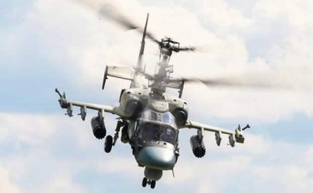 """На фото: разведывательно-ударный вертолет Ка-52 """"Аллигатор"""""""