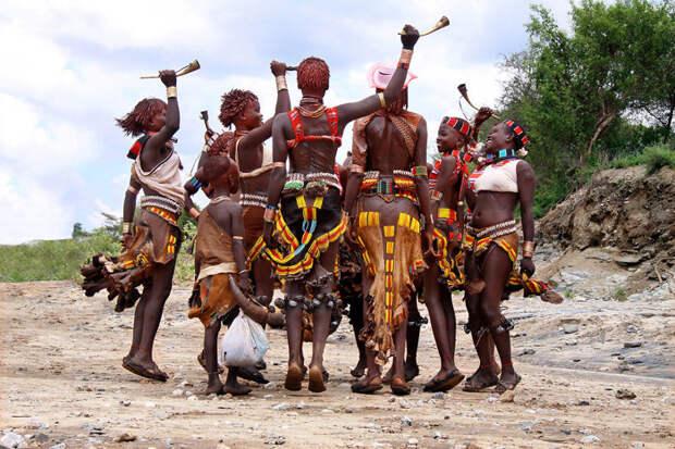Ритуальный танец племени хамер, Эфиопия красота, путешествия, фото