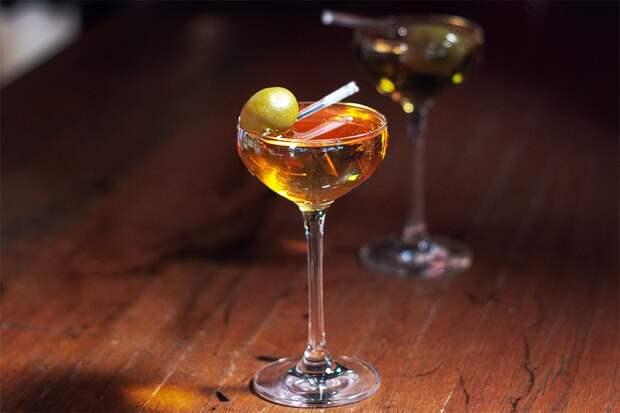 17.10.21==Коктейль BLACK IRISH — ирландский виски, вермут, кофейный ликёр