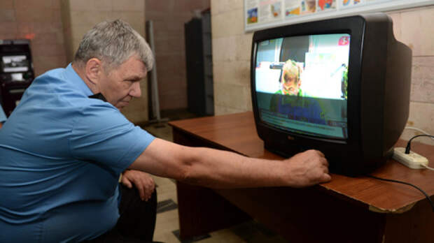 Телевизоры оказались способны следить за своими хозяевами