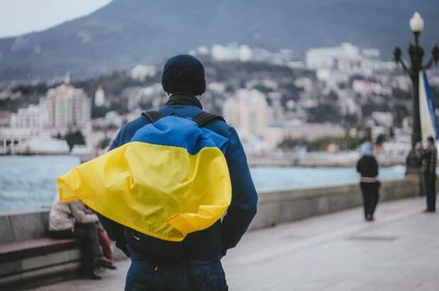 Украинский журналист объяснил, почему Крым не имел права «уходить» к РФ