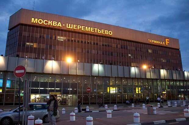 В Шереметьево из-за неисправности стойки шасси совершил посадку Airbus
