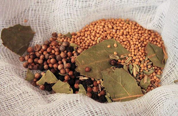 Маринованные огурцы: 7 тонкостей от поваров холодного цеха