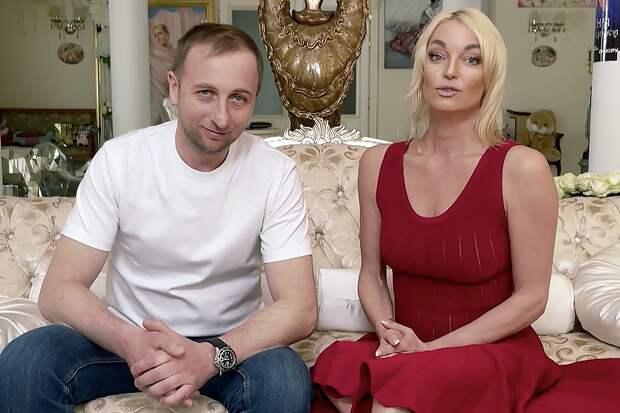 Волочкова впервые показала подписчикам своего возлюбленного
