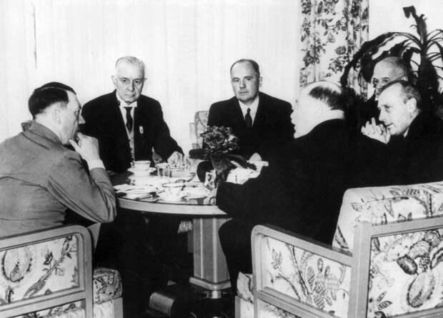 Англосаксы вновь хотят использоваться немцев как пушечное мясо против России?