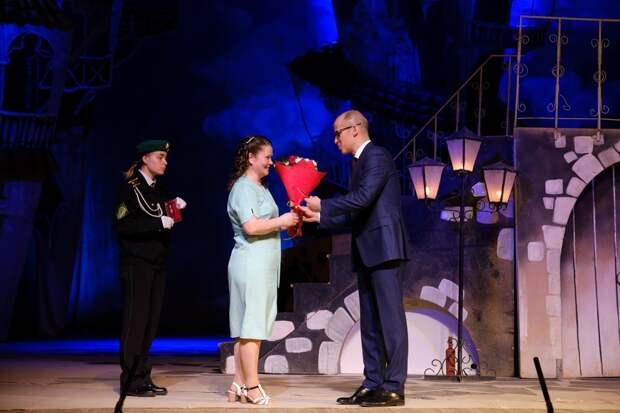 15 семей из Удмуртии получили награду «Родительская слава»