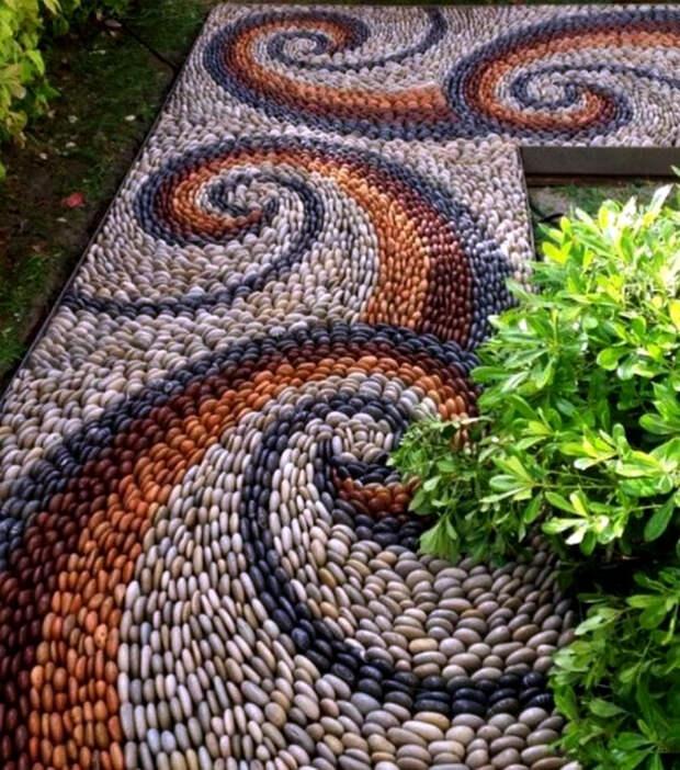 Садовая дорожка из гальки.   Фото: Pinterest.