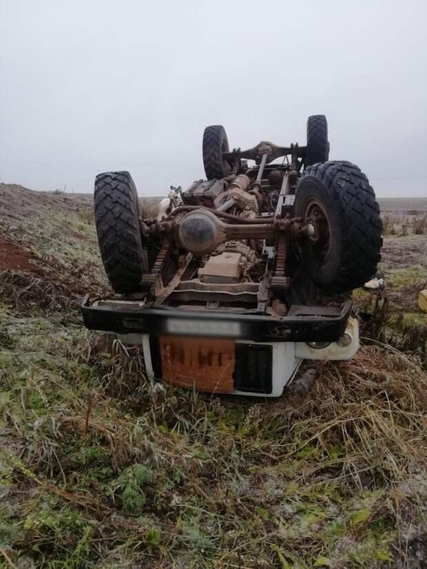В Удмуртии перевернулся грузовик с пятью пассажирами