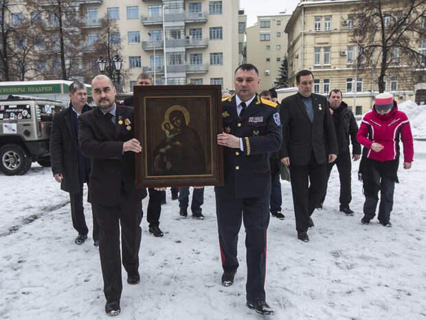 В Крым передадут восстановленную и освященную в Москве Икону Пресвятой Богородицы 6