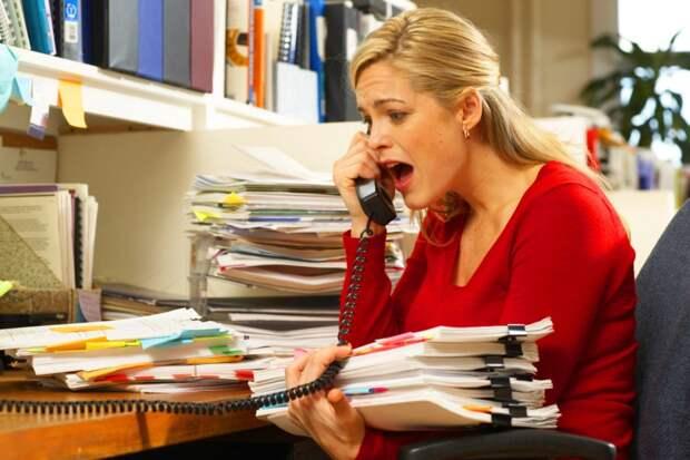 Кто и что нервирует на работе