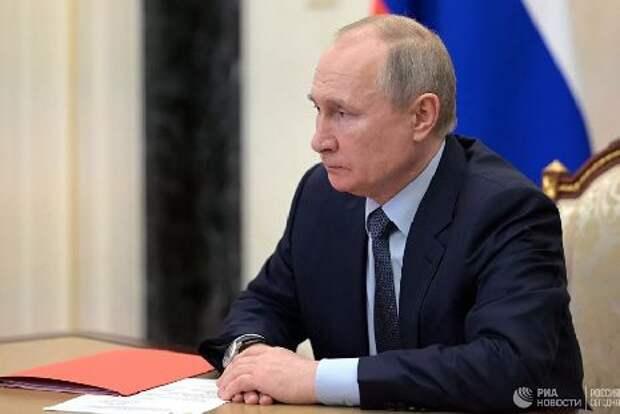 Путин заявил об улучшении ситуации с коронавирусом благодаря длинным выходным