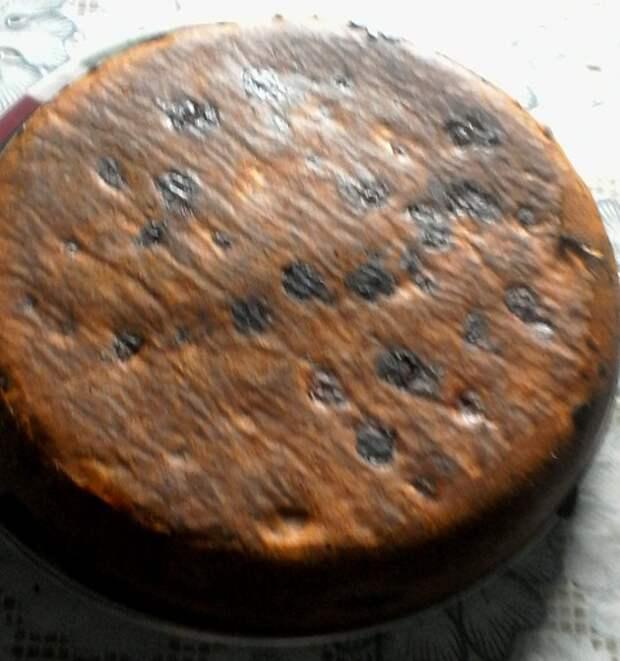 Заливной пирог с клубникой.