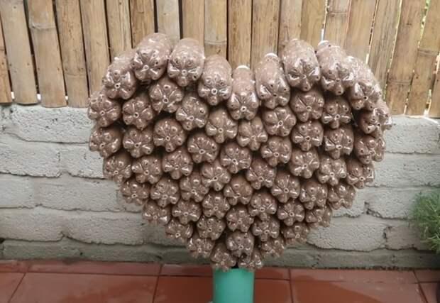 Прекрасная клумба в форме сердца для вашего сада