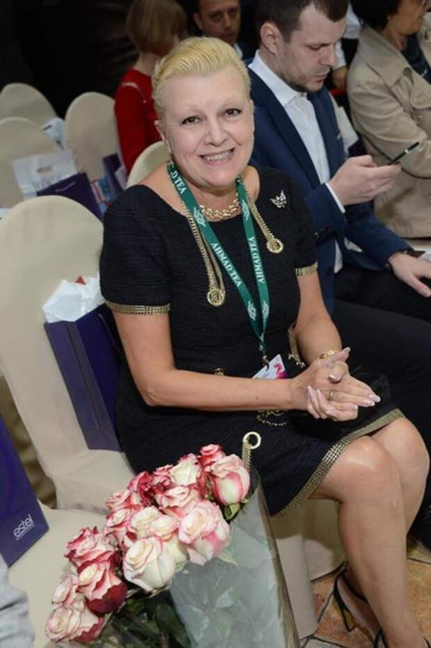 Дорогая косметика и кружевные трусы: на что Наталья Дрожжина потратила наследство семьи Баталова