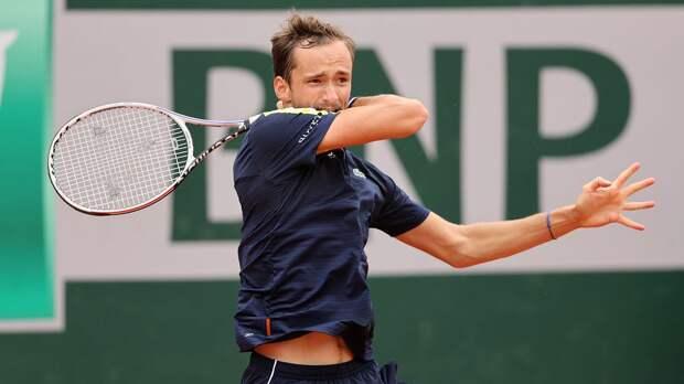 Медведев обыграл Опелку в 3-м круге «Ролан Гаррос»