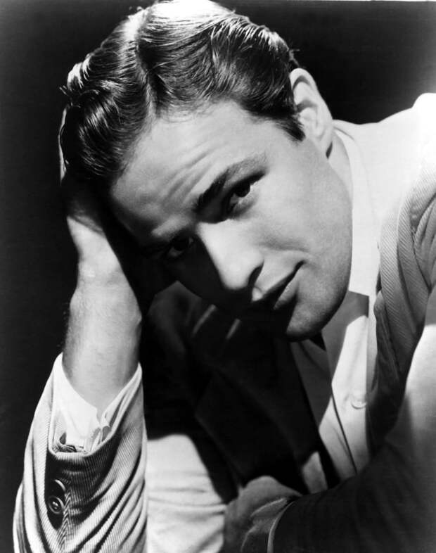 Марлон Брандо: 10 фото молодого актера, в которые влюбляешься с первого взгляда