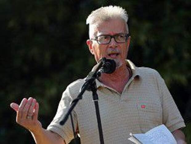 Новость на Newsland: Лимонов о том, как на самом деле стоит отвечать на санкции Запада