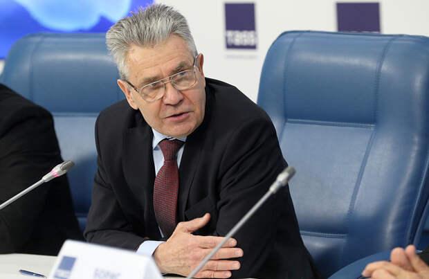 Президент РАН предложил решить проблему качества школьного образования с помощью идеологии