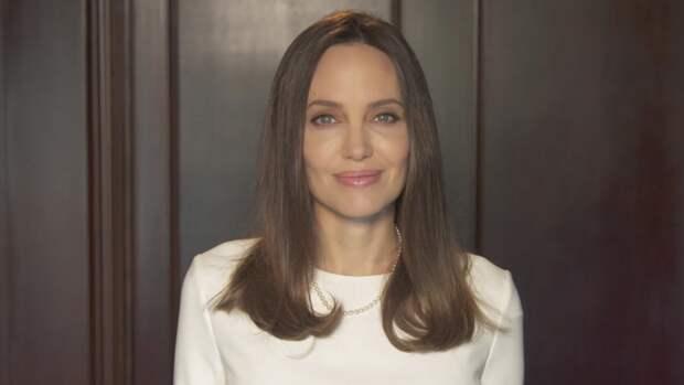 Анджелина Джоли рассказала, как пережила тяжелую утрату