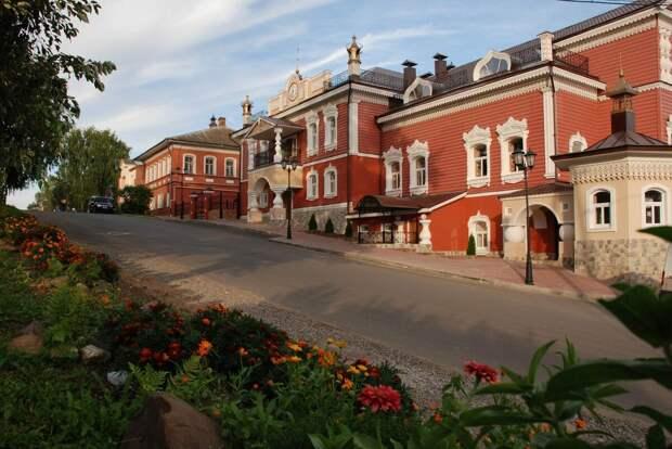 Вот  так  бы  выглядели  все  русские   городки,  если  бы  не..  Изображение  из  открытых  источников.