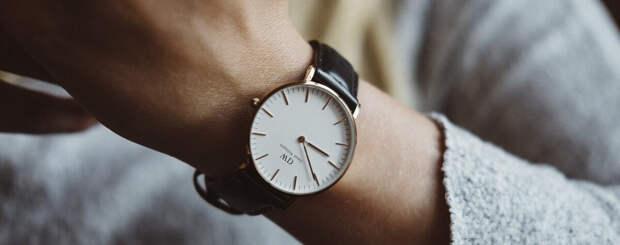 Как выбрать наручные женские часы?