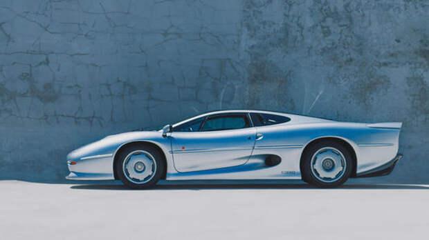 Полмиллиона за мечту: культовый Jaguar XJ220 почти без пробега