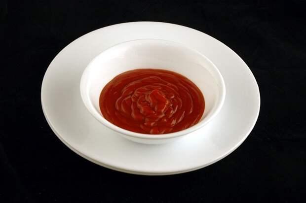 Кетчуп (226 грамм = 200 калорий):