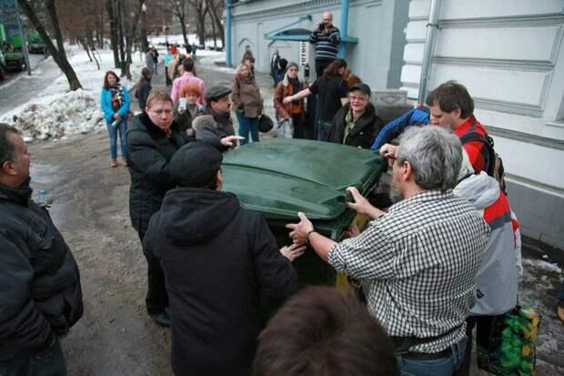 Студенты преподнесли Макаревичу необычный подарок