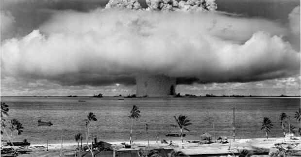 Первый подводный ядерный взрыв, 25 июля 1946 года, атолл Бикини