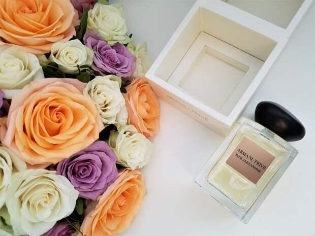 Парфюмерный весенний букет – идеальный подарок любимым женщинам на 8 Марта!
