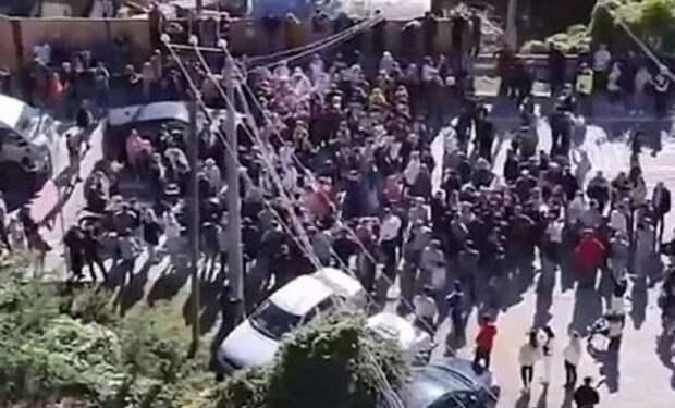 Бунт сочинцев заставил власти восстановить двустороннее движение на автотрассе