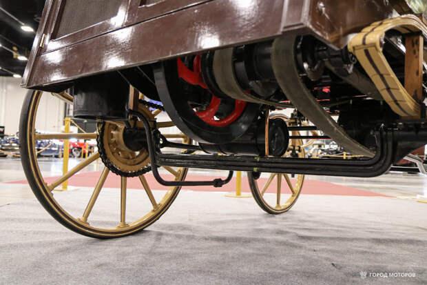 Первый русский автомобиль с двс расходовал воды больше, чем бензина и выбрасывал из трубы чистый пар