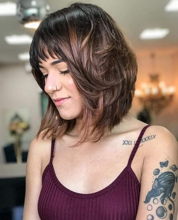 Каскад на разную длину волос 2021: эффектные идеи для ухоженных дам (+13 фото)