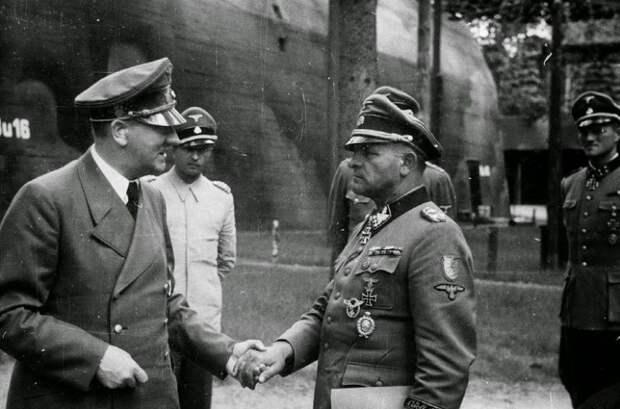 На какую захваченную территорию СССР приезжал Гитлер