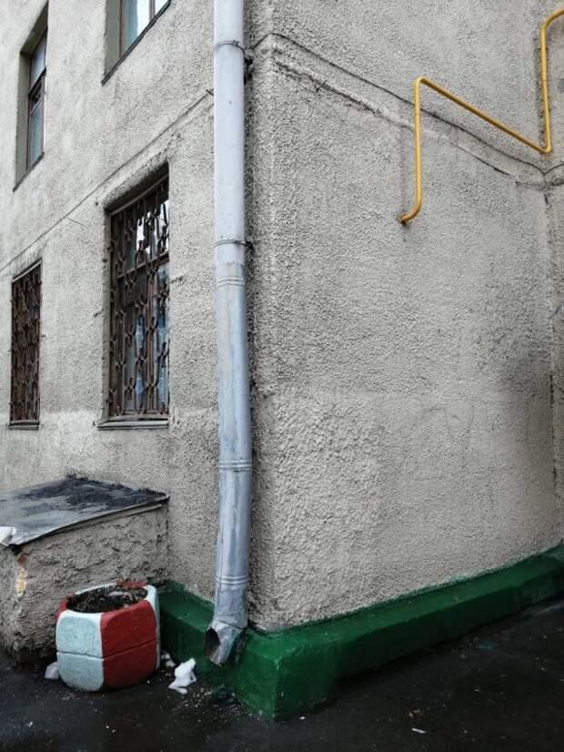 Водосточная труба на Ленинградке восстановлена — «Жилищник»