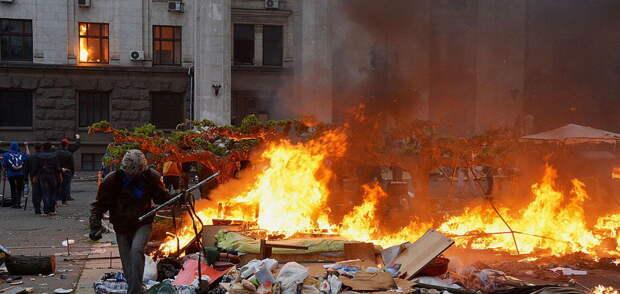 Белоруссия официально приравняла украинских майданщиков к гитлеровцам